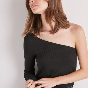 LUCKY BRAND BLACK ONE SHOULDER RIBBED SHIRT